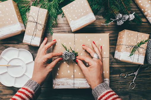 5 Extra-Special Gifts to Give Your Clients This Holiday Season