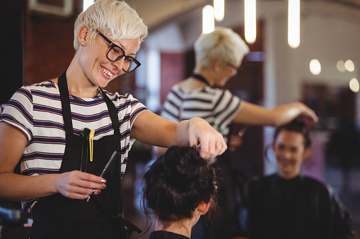 5 Simple Ways to Please Customers and Grow Your Salon or Barber Business