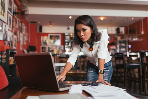 how to avoid an online meltdown